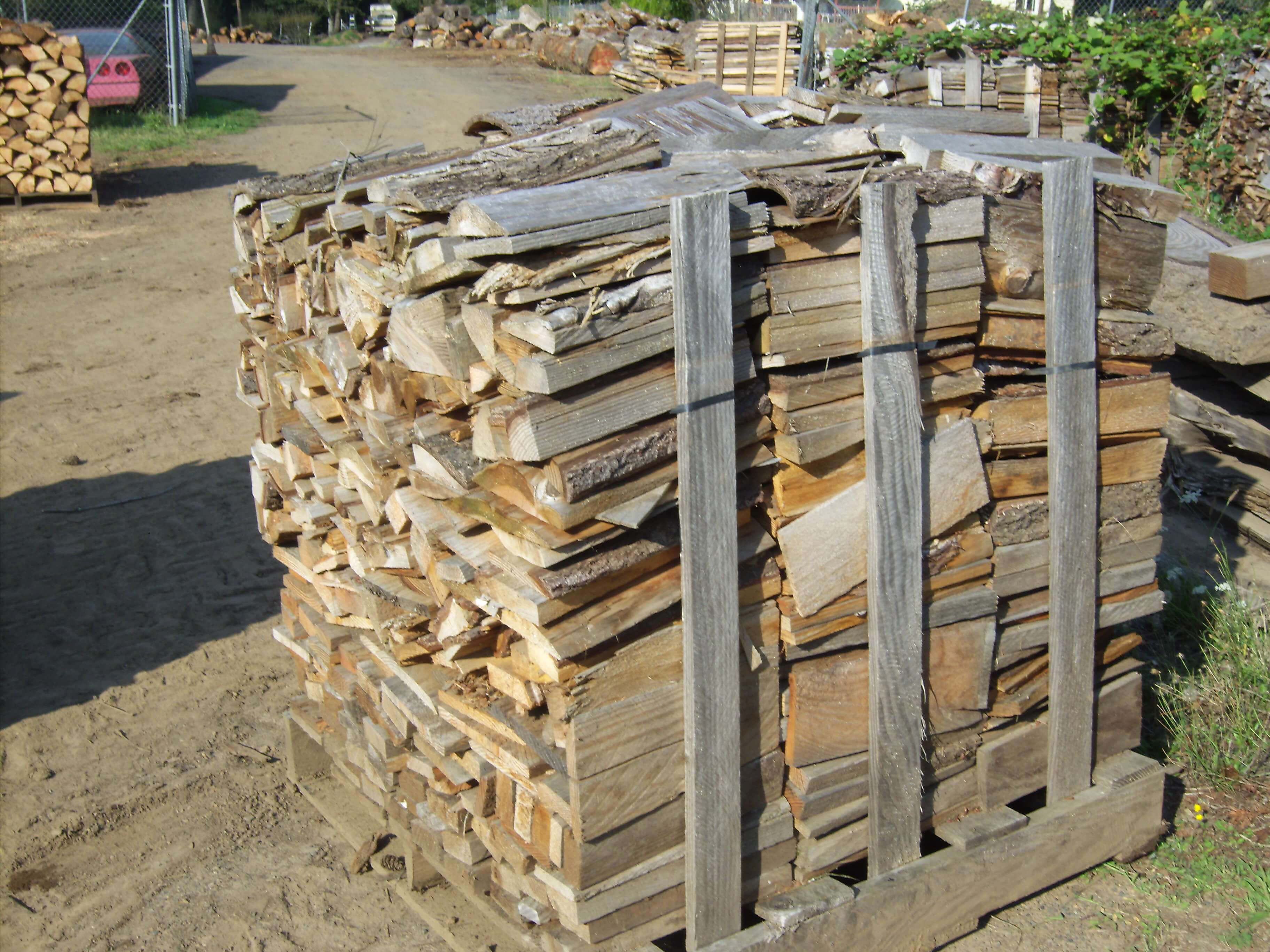 Half-cord of millends - Camas, Washington. Small firewood, perfect for woodstoves.